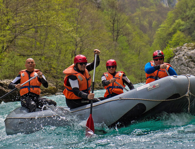one-day-tara-rafting-800x611