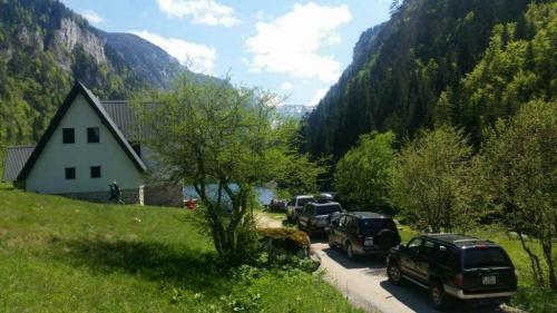 durmitor-rafting-jeep-safari-galery-2-1024x576