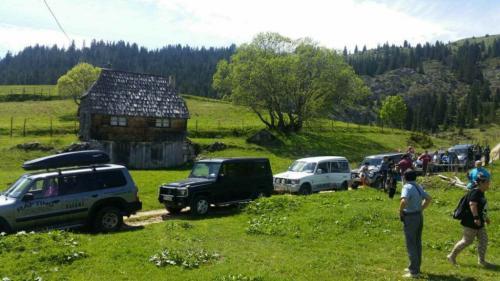 durmitor-rafting-jeep-safari-galery-7-1024x576